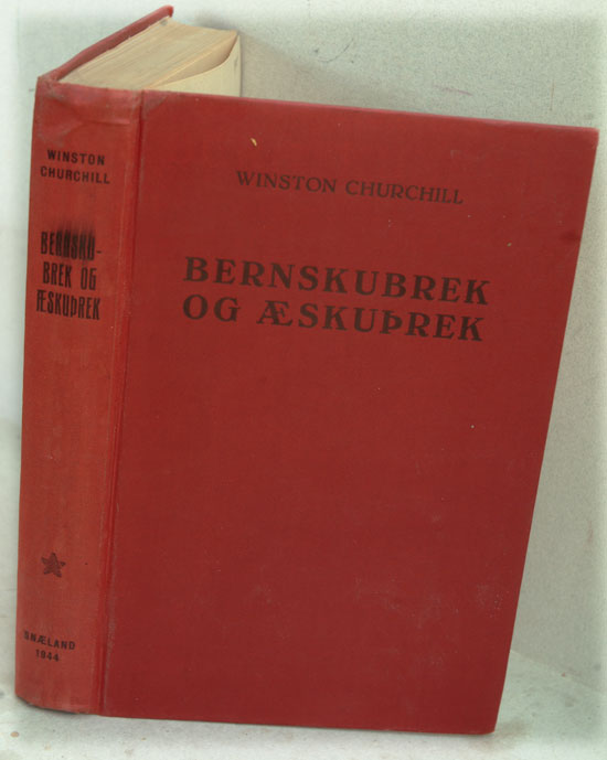 Bernskubrek Og Aeskuprek ( My Early Life in Icelandic). Winston S. Churchill.