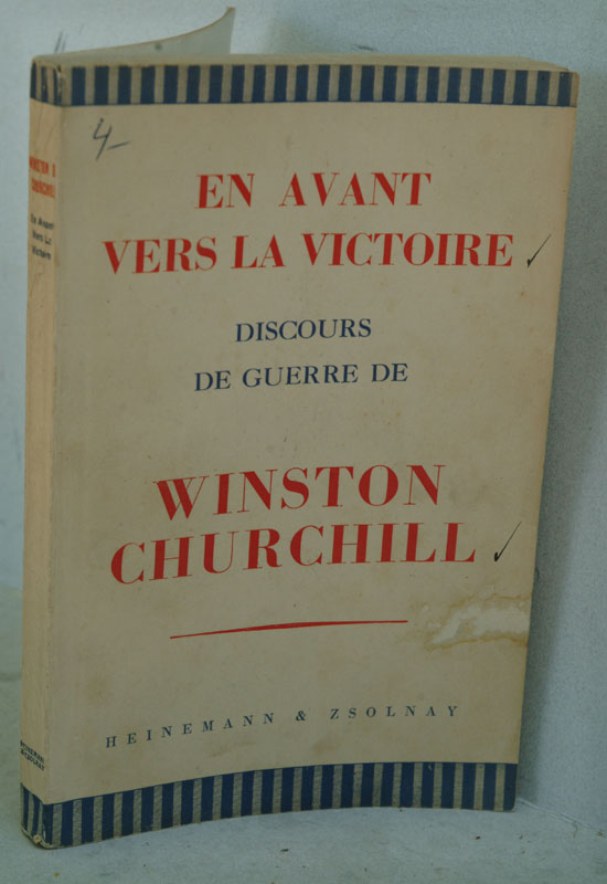 En Avant vers la Victoire (French translation of Onwards to Victory). Winston S. Churchill.