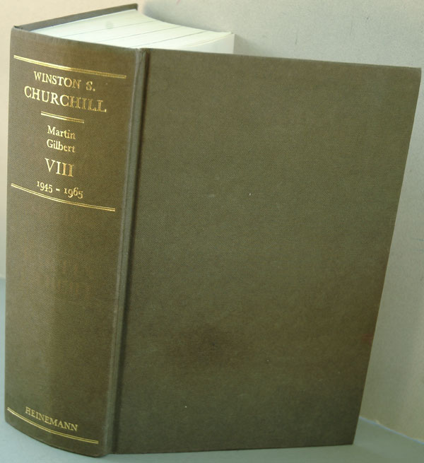 Winston S. Churchill Volume VIII Never Despair. Martin Gilbert.