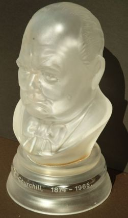 Large Glass bust by Webb Corbett Crystal. Winston S. Churchill.